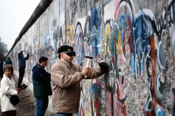 fall of Berlin wall