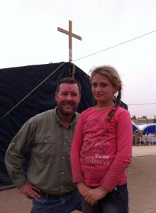 Seiple with displaced girl in Iraq