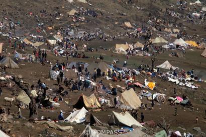 refugee tent city [Klaus Reisinger]