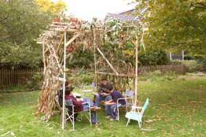 Sukkot structure with lads